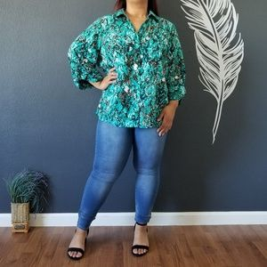 Maggie Barnes button up top